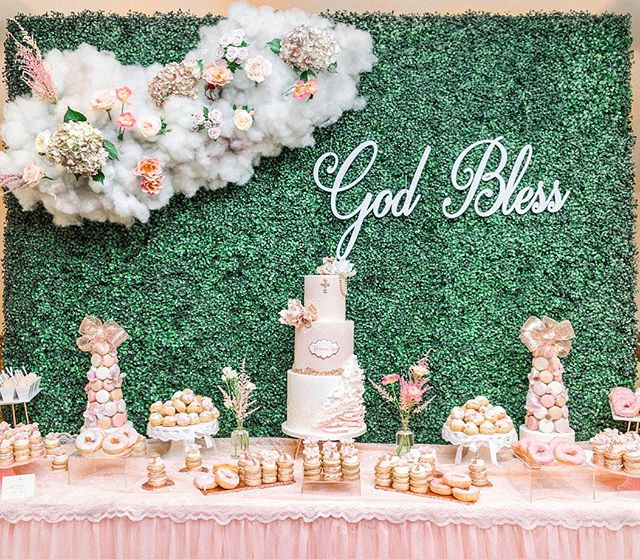 thank heaven for little girls ✨🙏🏼 . . . cake & desserts @ladyksbakeshop florals & design @cassandrashahflowers photographer @laurenashleyphotog