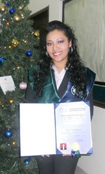Congratulations, Albricy. Lic. in Journalism and special honours for her 100% on her final proyect!!
