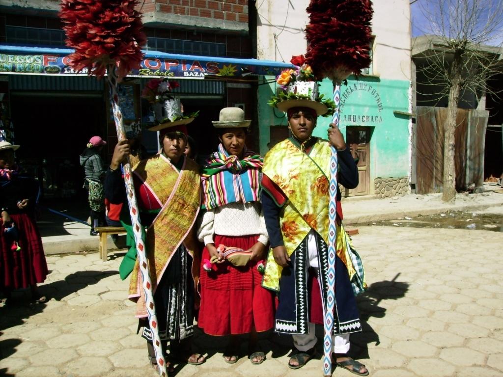 cristina -danza autoctona llamada chirawana - para el ao nuevo aymara.jpg