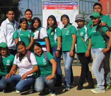 Milta, far right in the front row, with classmates in Santa Cruz.