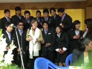 "Celebrating the pre-graduation of ""6 de Junio"" school with Linda as a Madrina"