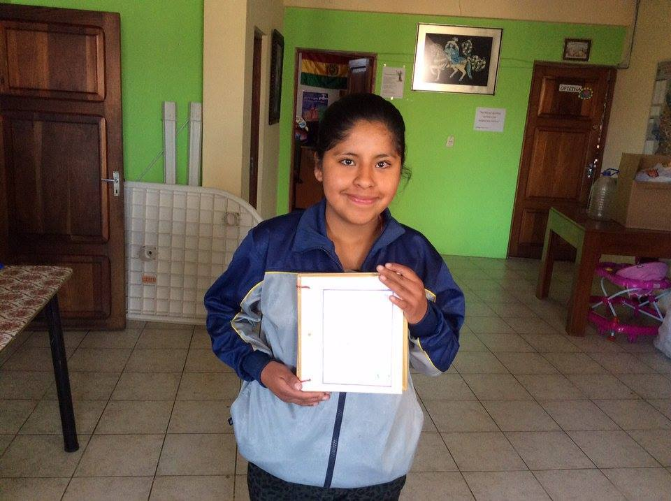 Daniela with her certificate for being the best student of her high school. Congratulations Daniela!!