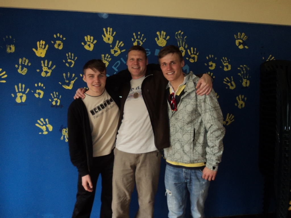 Clemens on the right with his father Frank and his brother Lucas from Germany.