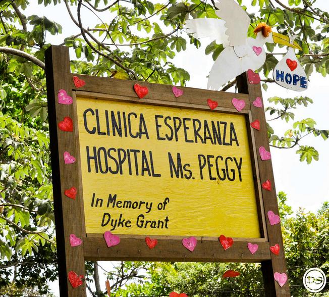 Clinica Esperanza Roatan.png