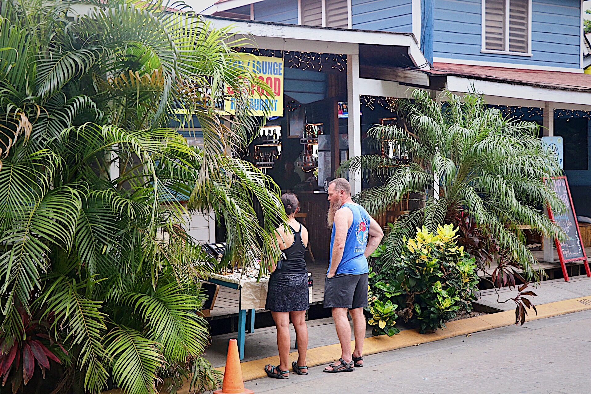 Expats Shopping in Roatan