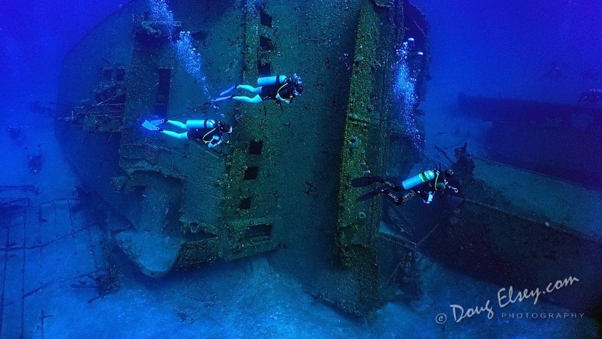 Sol y Mar Ship Wreck Scuba.jpg