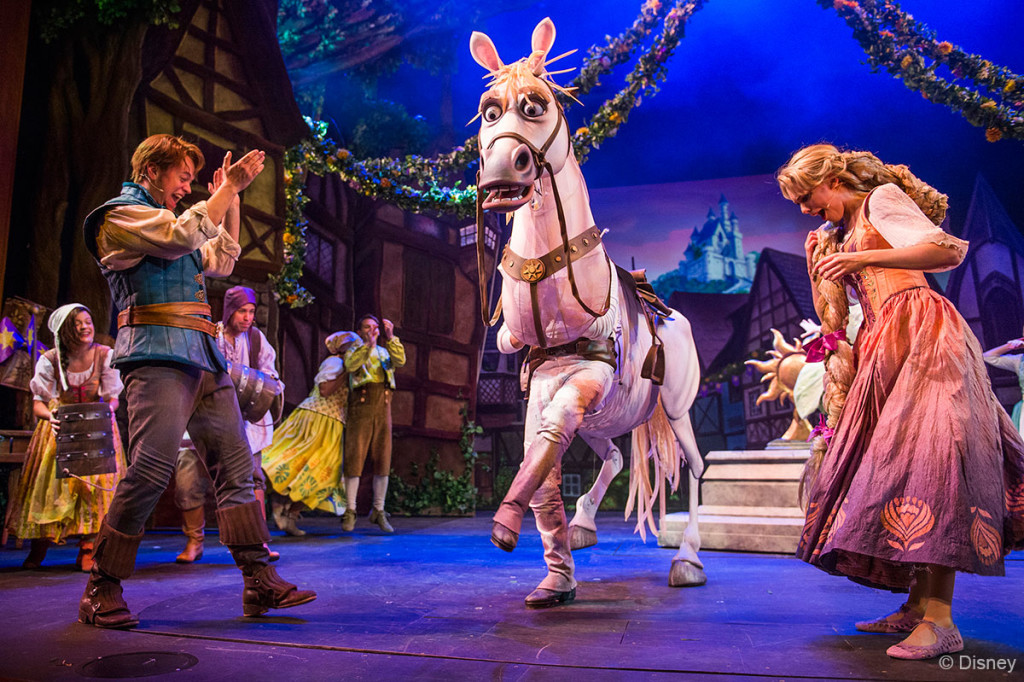 Tangled-The-Musical-Maximus-Flynn-Rapunzel-1024x682.jpg
