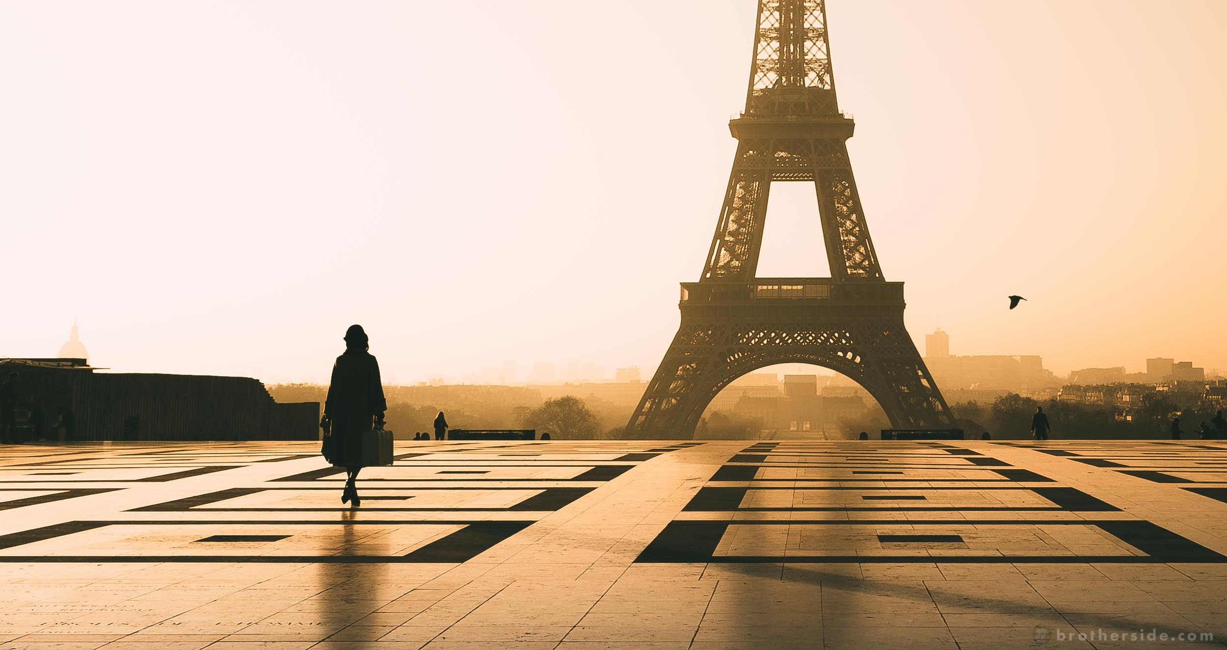 The Eiffel Tower Photo Guide - A hand-picked selection of best spots for capturing the Iron Lady