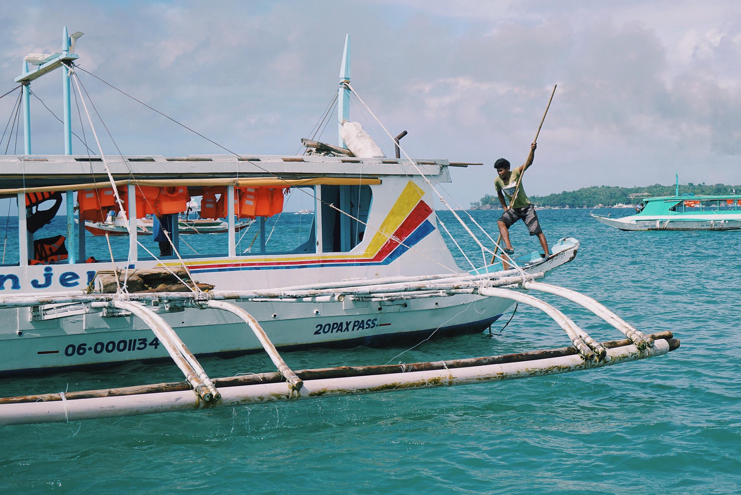 PHL-7_BoatWorker-Edit1.jpg