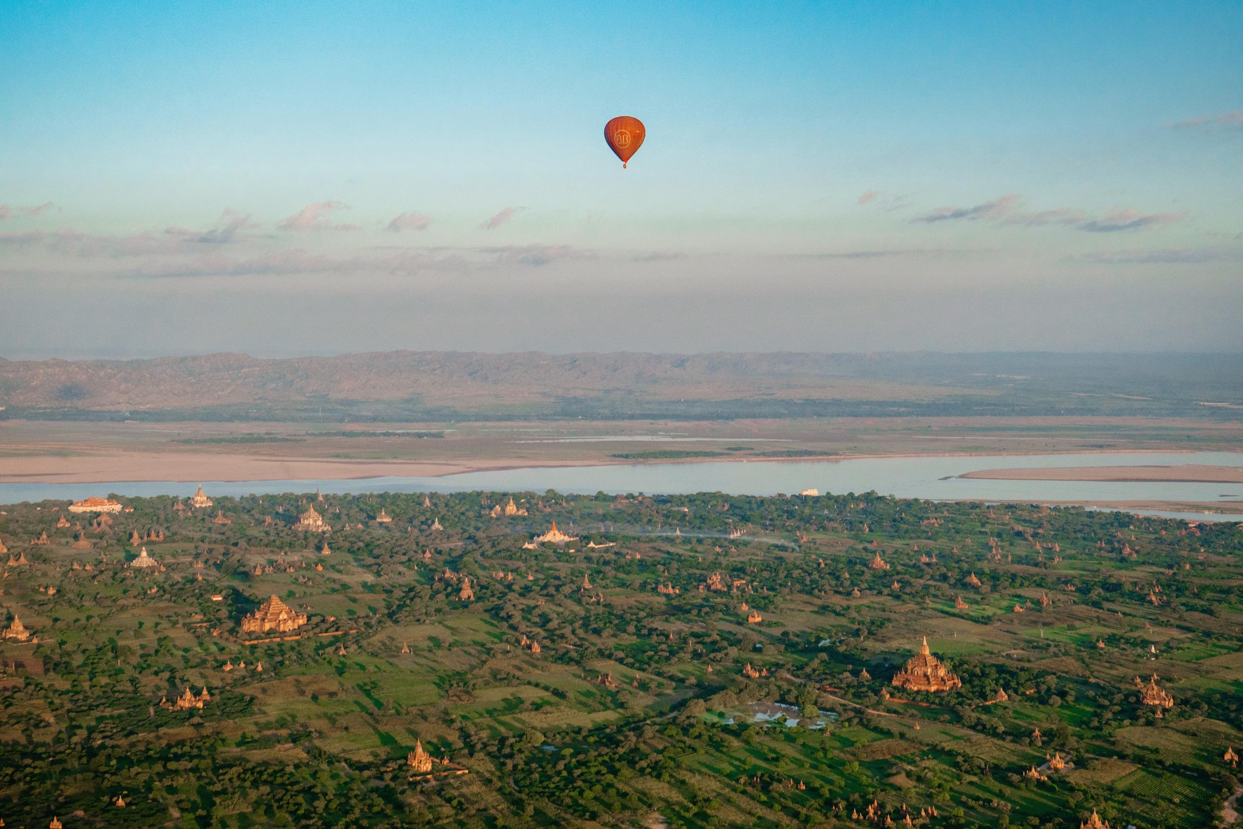 BAL-4_BalloonWideSingle-1small.jpg