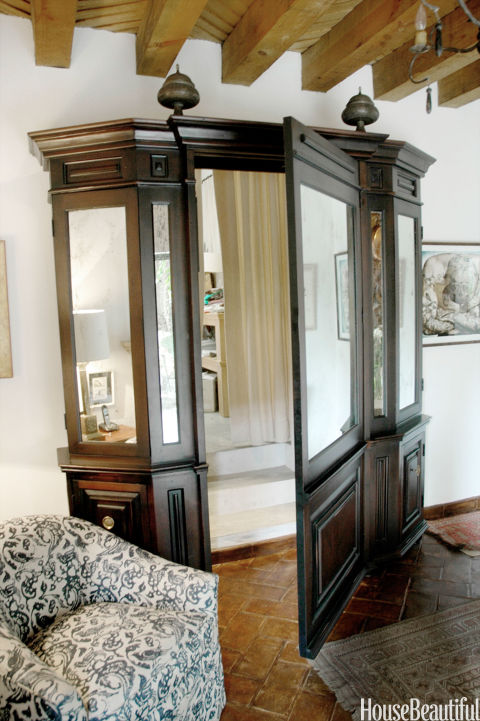 54c0bab7bce4c_-_08-hbx-fake-armoire-door-weisman-fisher-0513-s2