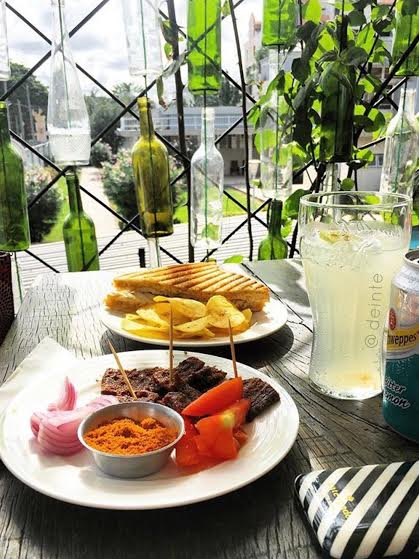 sincerely-princewill-things-to-do-in-lagos-art-cafe-3.jpg
