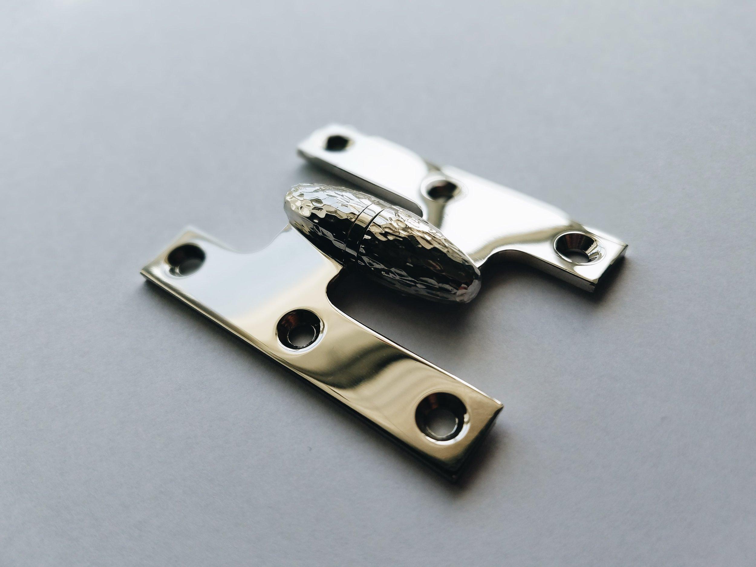 Olive knuckle peened hinge.JPG