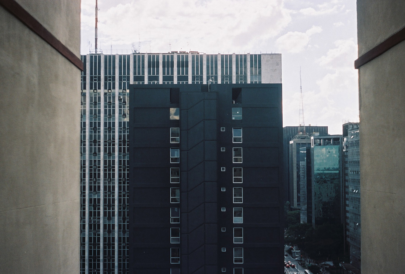 2013_35mm_blackbuilding.jpg