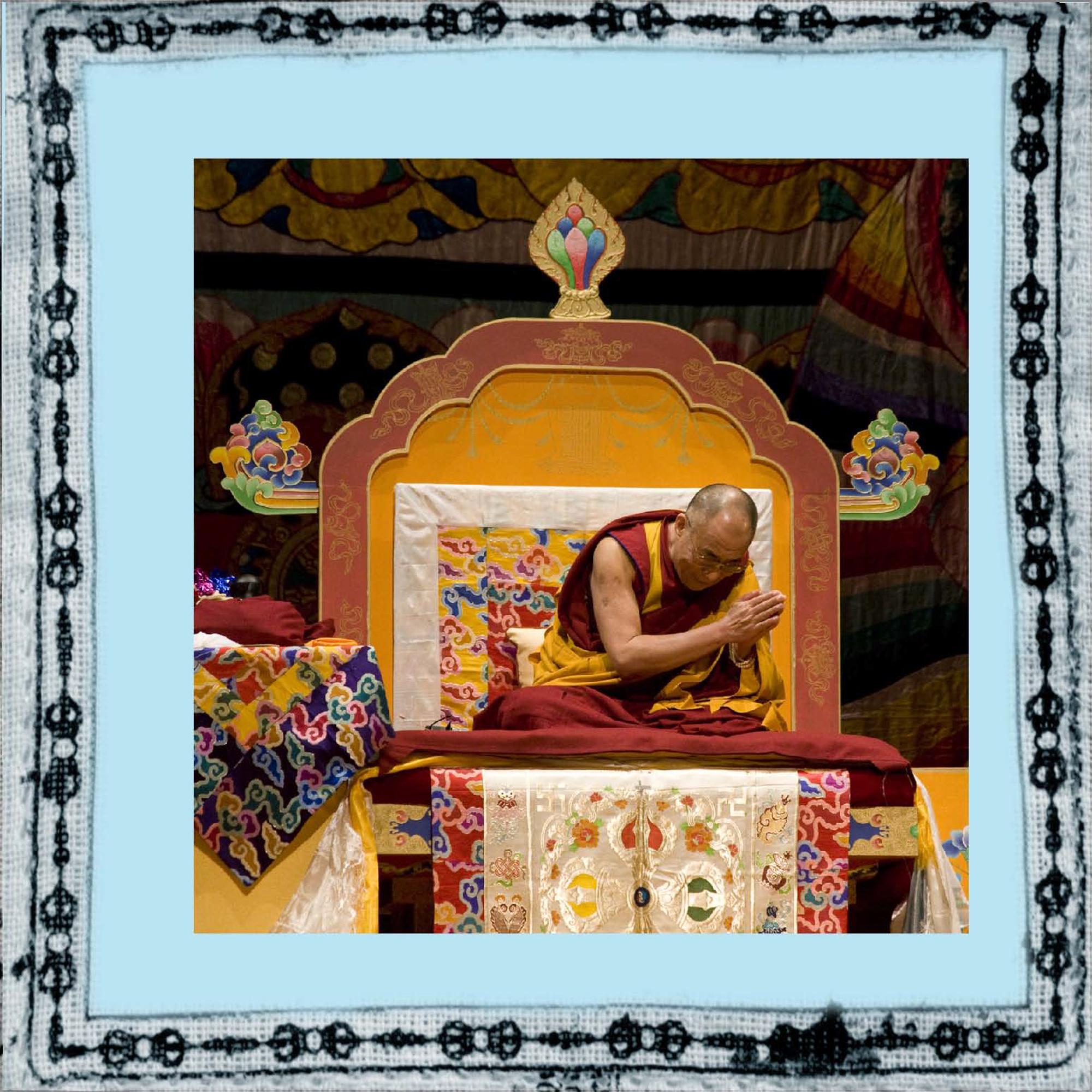 elizabeth-fenwick-photography-dalai-lama-peace-9.jpg