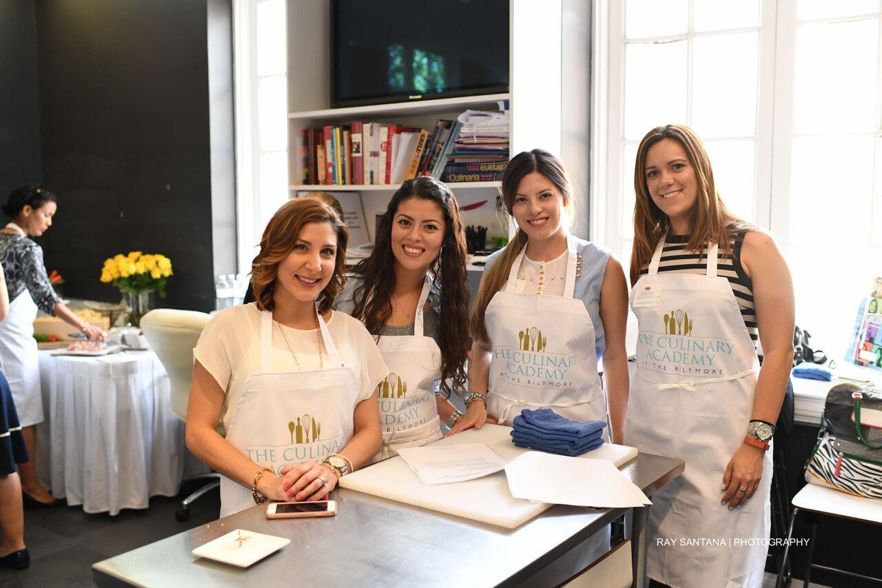Our cooking team from left to right :Mei (@blameitonmei.com) ,Jules & Cat (@Tinseldot.com), Diana (@livingthirtythree.com)