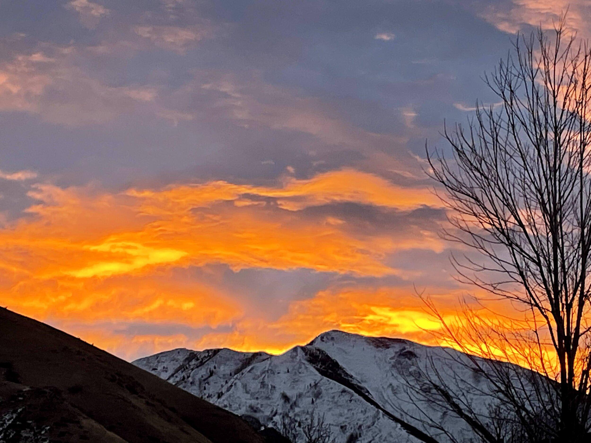 早晨的红天空