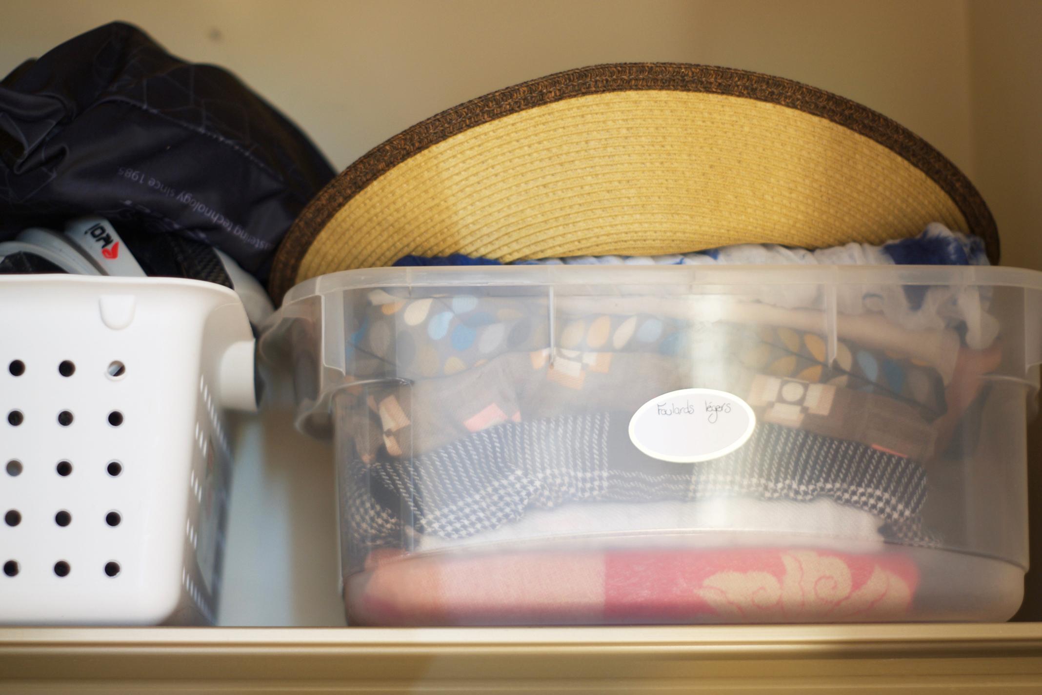 Et dire que je n'ai pas pu apporter ce chapeau à Hawaii parce que je ne le trouvais plus!