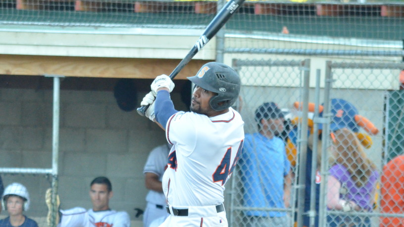 Daniel Baptista goes the other way in Sonoma's rout over Pittsburg.   James Toy III/Sonoma Stompers