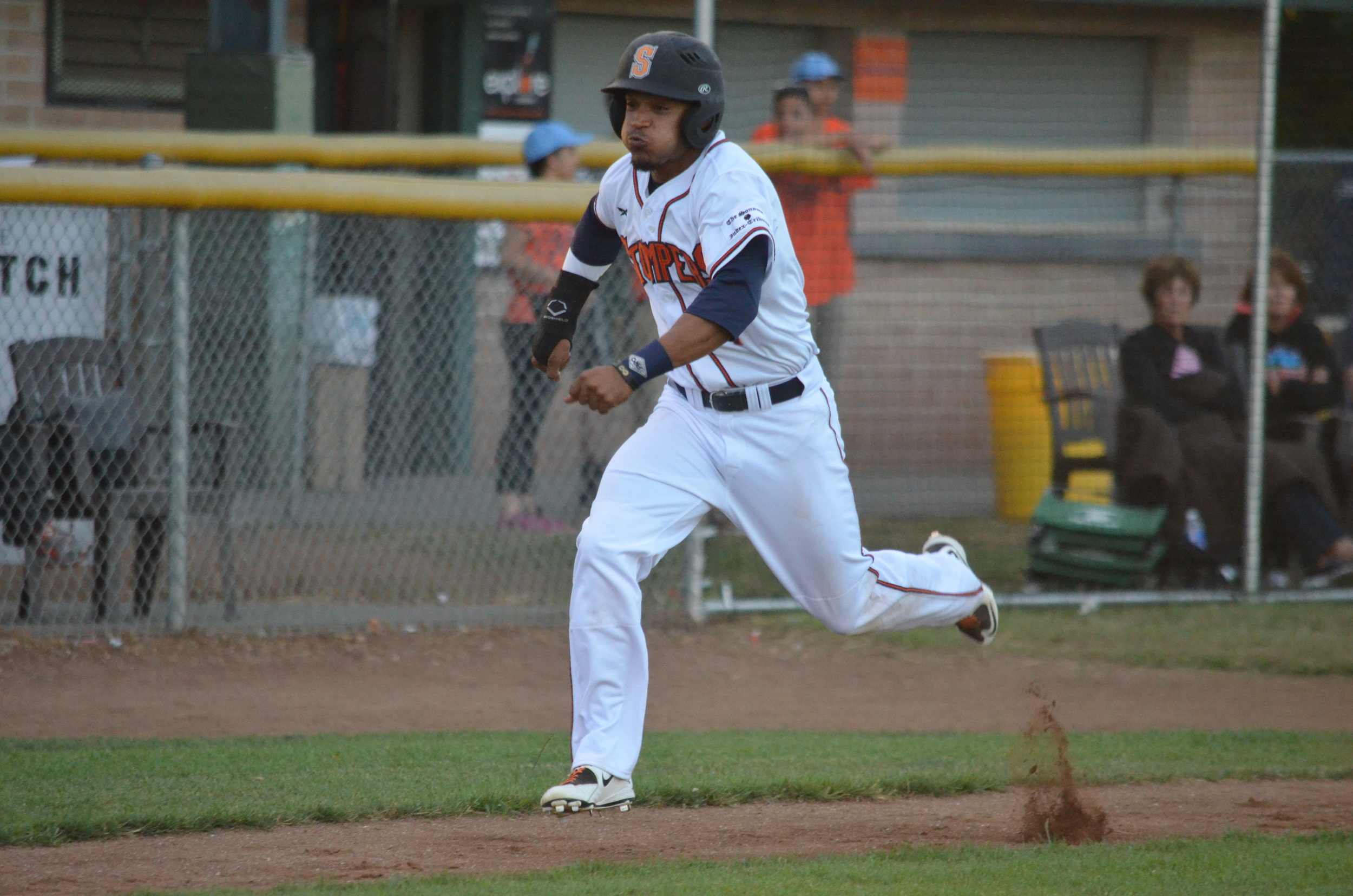Matt Hibbert is heading back to Sonoma for his third season with the team. The popular center fielder is a two-time Defensive Player of the Year winner in the Pacific Association.   James Toy III/Sonoma Stompers