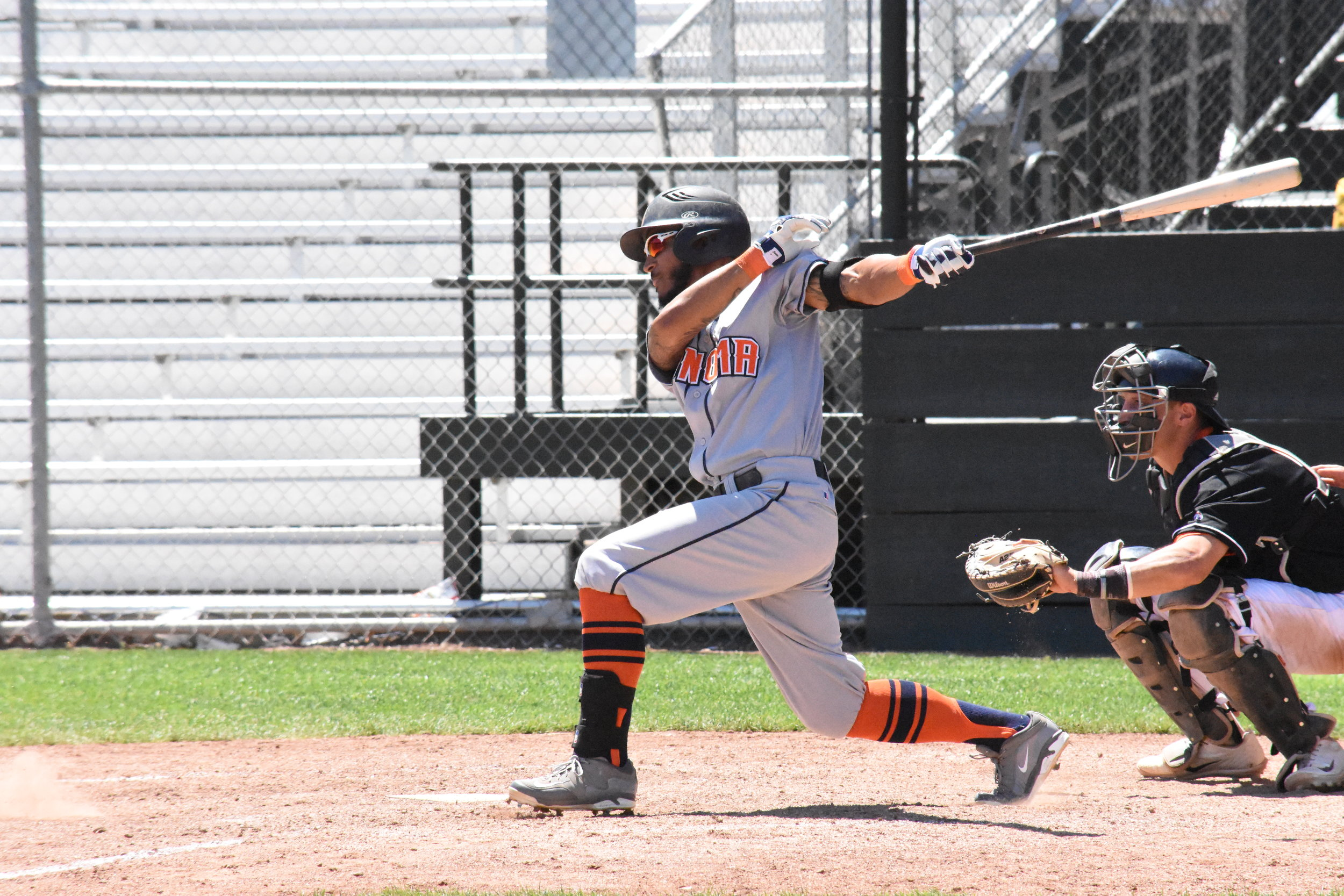 Center fielder Matt Hibbert went 3-6 in the Sonoma Stompers' 13-1 rout of the Pittsburg Diamonds Sunday, scoring two runs and driving in three.(James W. Toy III / Sonoma Stompers)