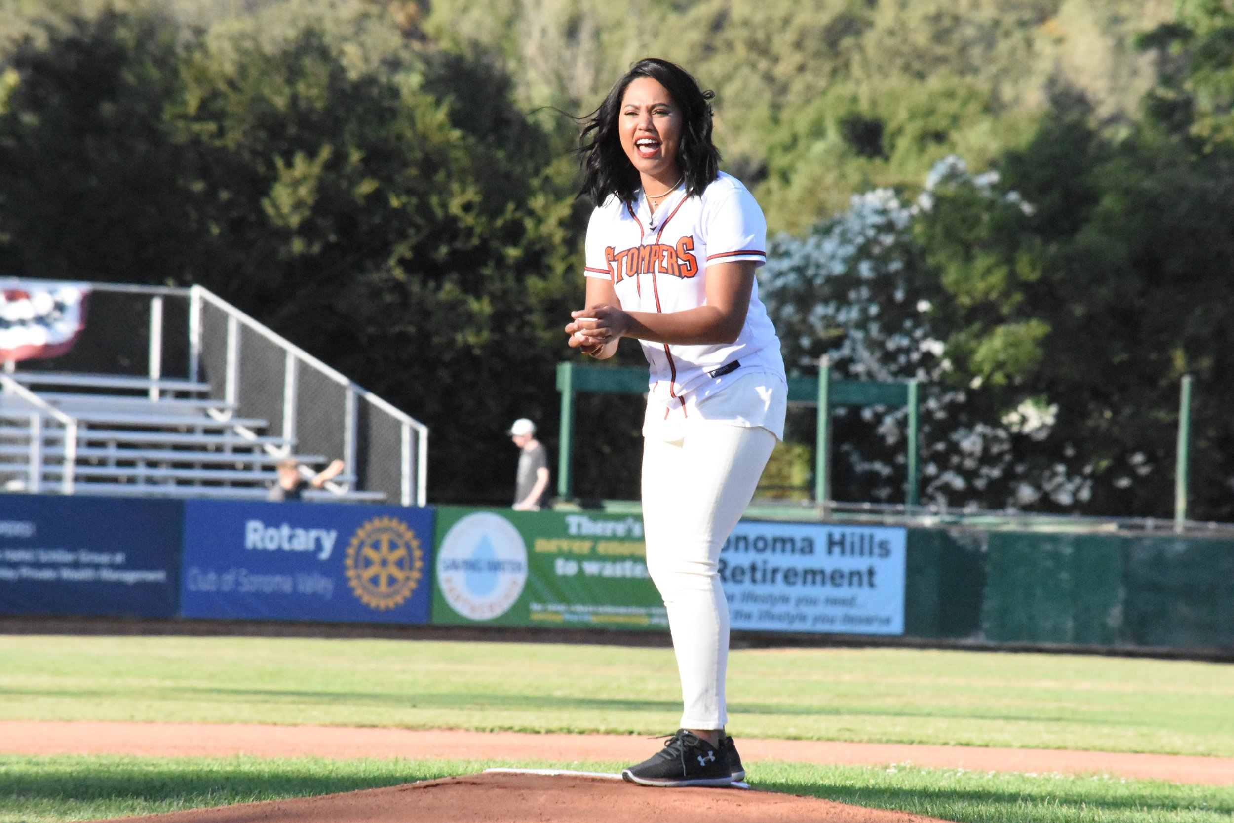 Ayesha Curry thorws the first pitch at Peoples Home Equity Ballpark at Arnold Field before the Sonoma Stompers defeated the San Rafael Pacifics 12-7. (James W. Toy III / Sonoma Stompers)