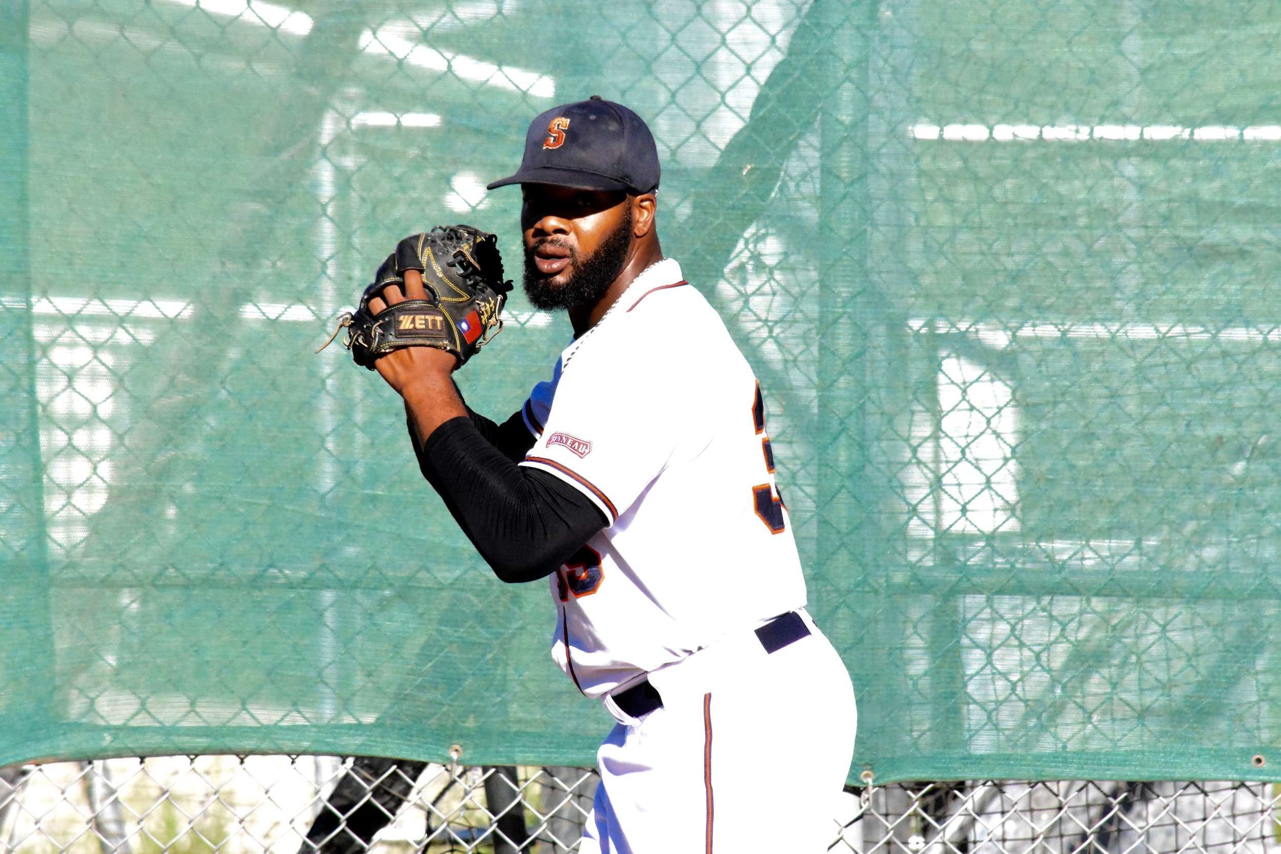 Ty'Relle Harris throws his first career complete game to lead the Sonoma Stompers to victory on Saturday against the San Rafael Pacifics in Sonoma. (James W. Toy III / Sonoma Stompers)