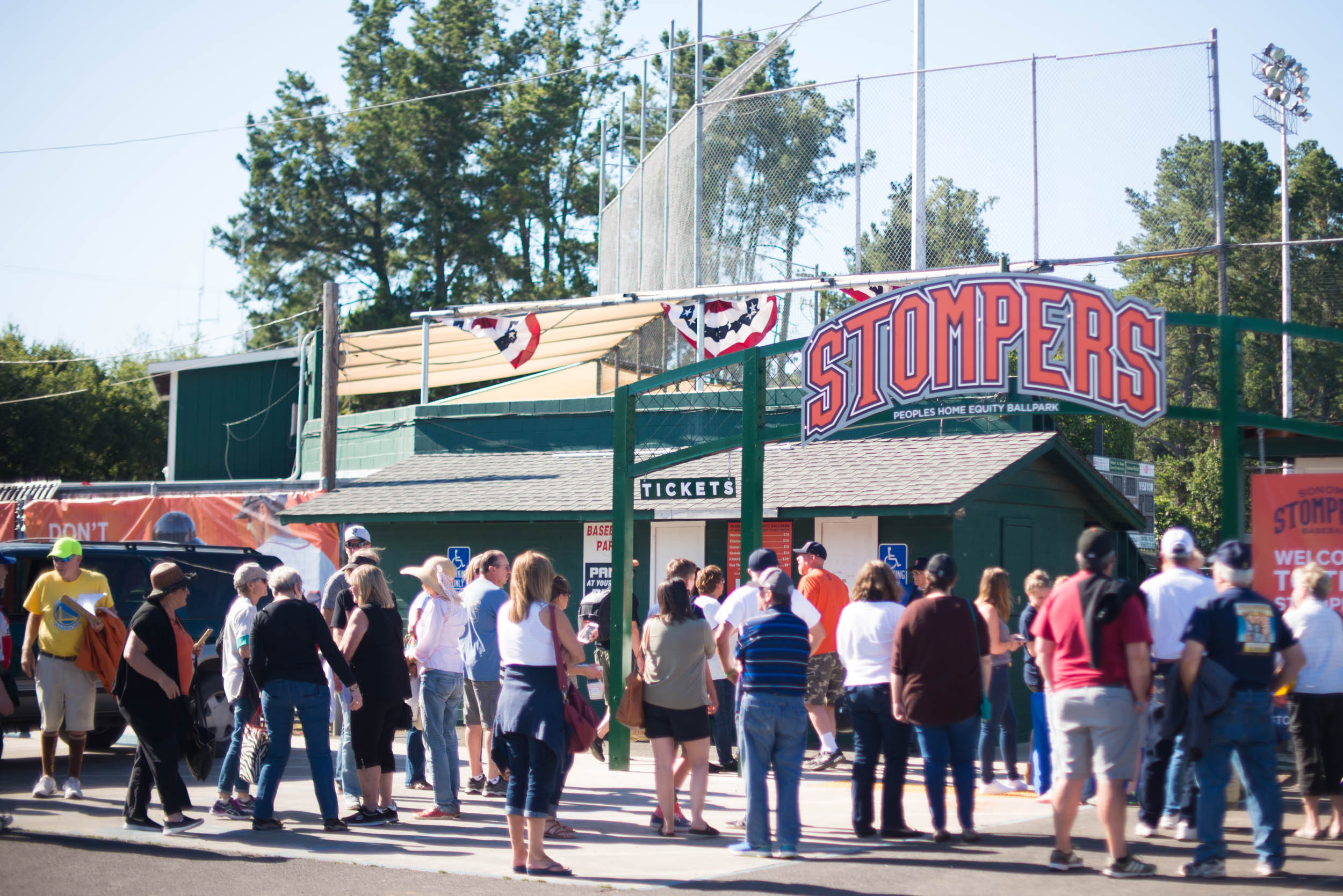 Stompers fans congregate outside of Peoples Home Equity Ballpark at Arnold Field before a 2017 Stompers game. (Darcy Dellera / Sonoma Stompers)