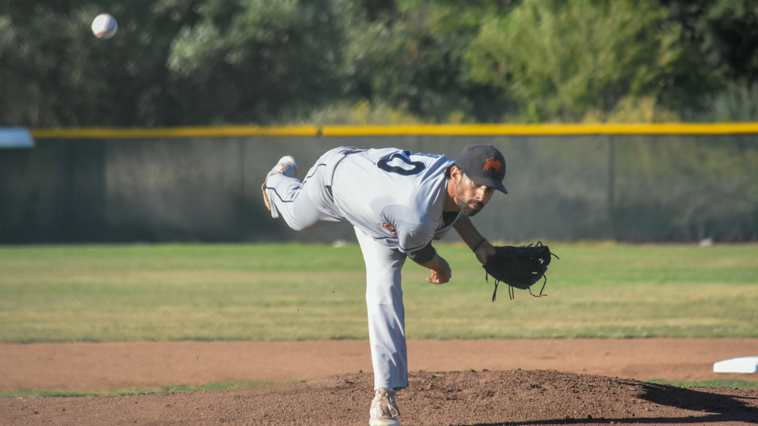 Vijay Patel delivers a pitch in the Stompers' game against the Napa Silverados, July 11, 2018 (James W. Toy III / Sonoma Stompers)