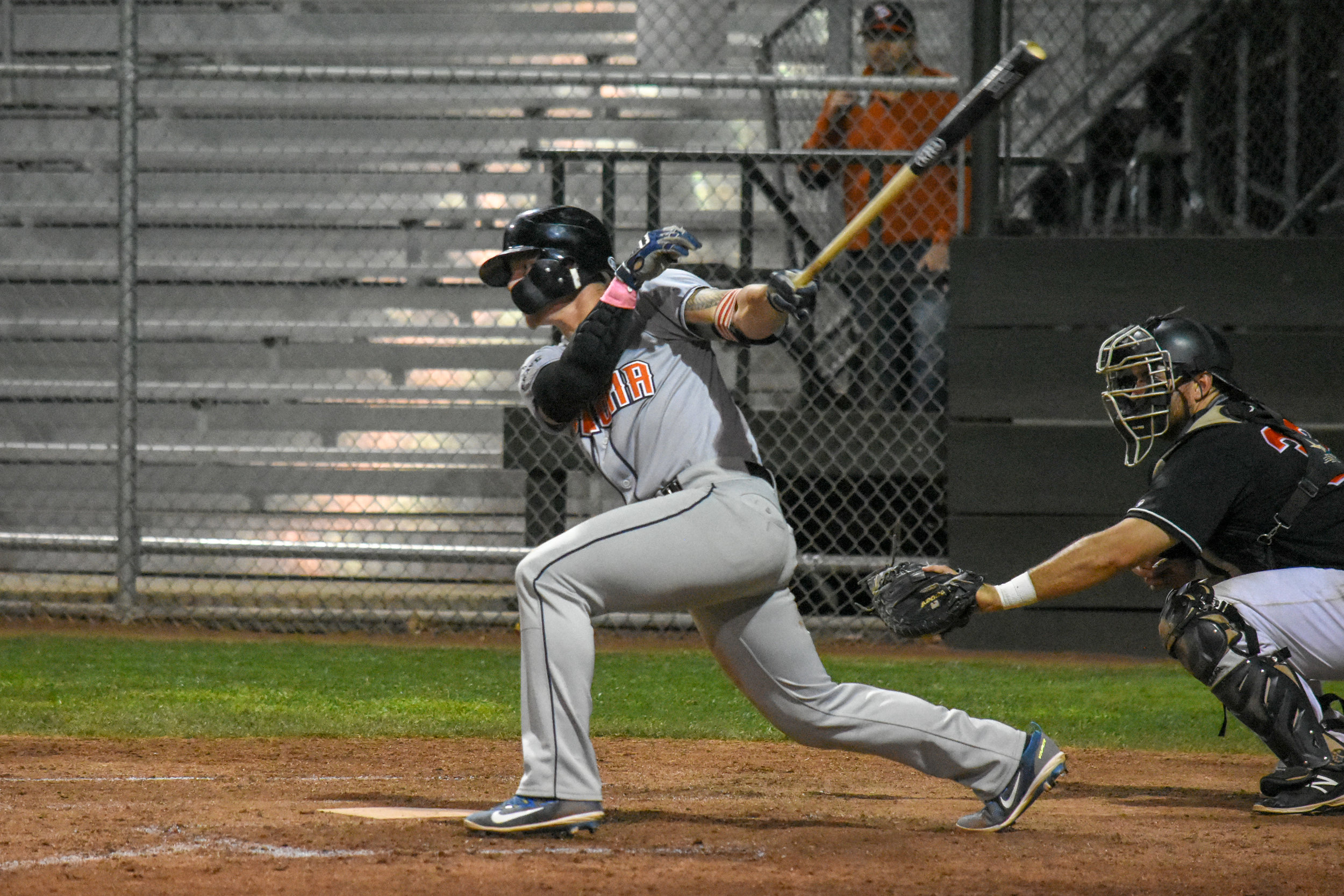 Kam Stewart drives in the go-ahead run in the ninth inning of the Sonoma Stompers game against the Pittsburg Diamonds, August 22, 2018 in Pittsburg, Calif.(James W. Toy III / Sonoma Stompers)