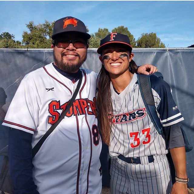 Stompers #MotivationMonday : Former OF @kelsie_whitmore contributed to @fullerton_sb winning the series against @ucdavisaggies this weekend. Stompers photographer @jdubtiii was in attendance showing his support ⚾️ 🐂🥎