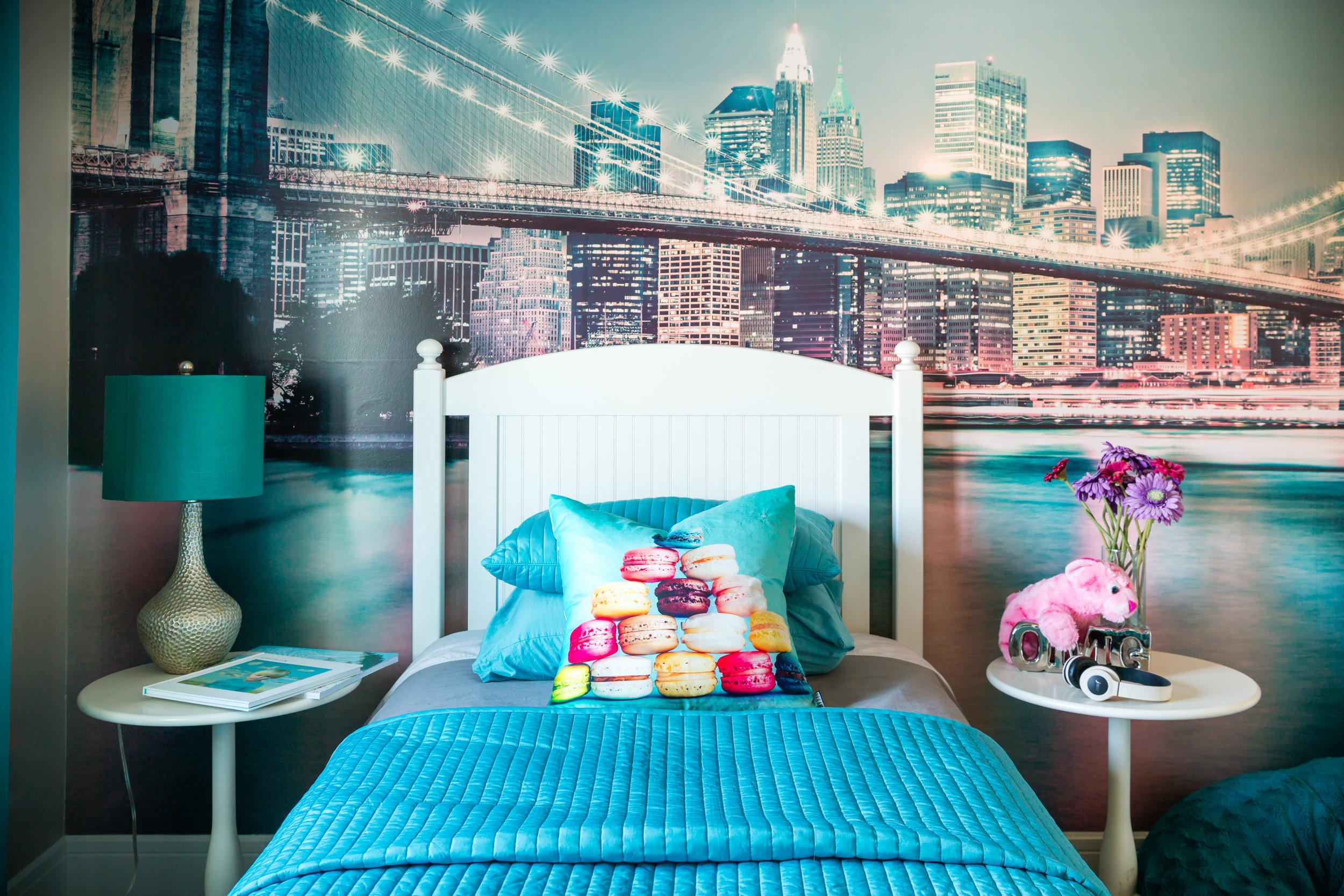 teen girls room.jpg