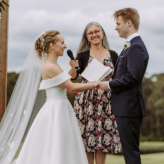 Writing your own vows can be tricky but with thought and time personal vows are a wonderful part of the wedding ceremony. Kate and Stuart got them right...#celebrant #sydneycelebrant #marriagecelebrant #weddingvows #sydneywedding #bespokeweddingceremony #jannesverdloffcelebrant
