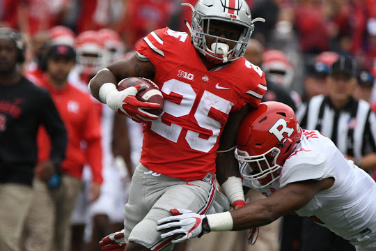 Mike Weber leads all Ohio State running backs with 495 yards rushing on the season.