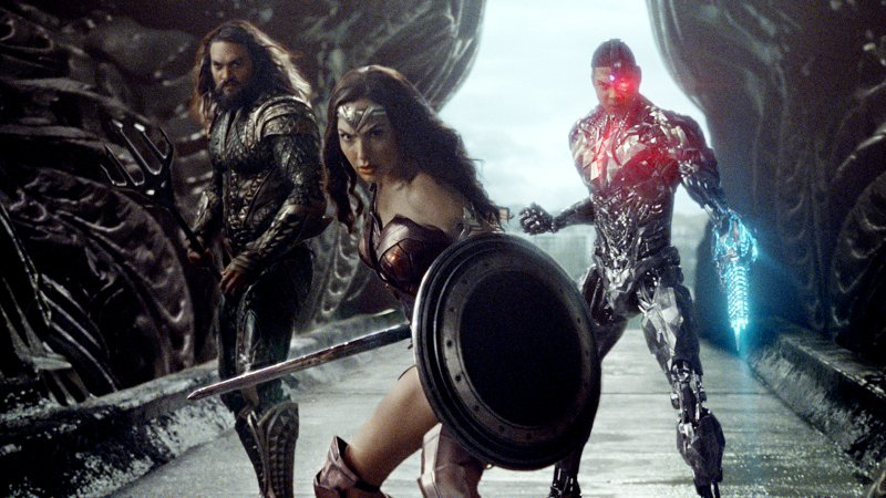 Jason Momoa (left), Gal Gadot (middle) and Ray Fisher (right) are all a part of the DCEU and remain so regardless of Affleck's ultimate decision. We shouldn't forget that.