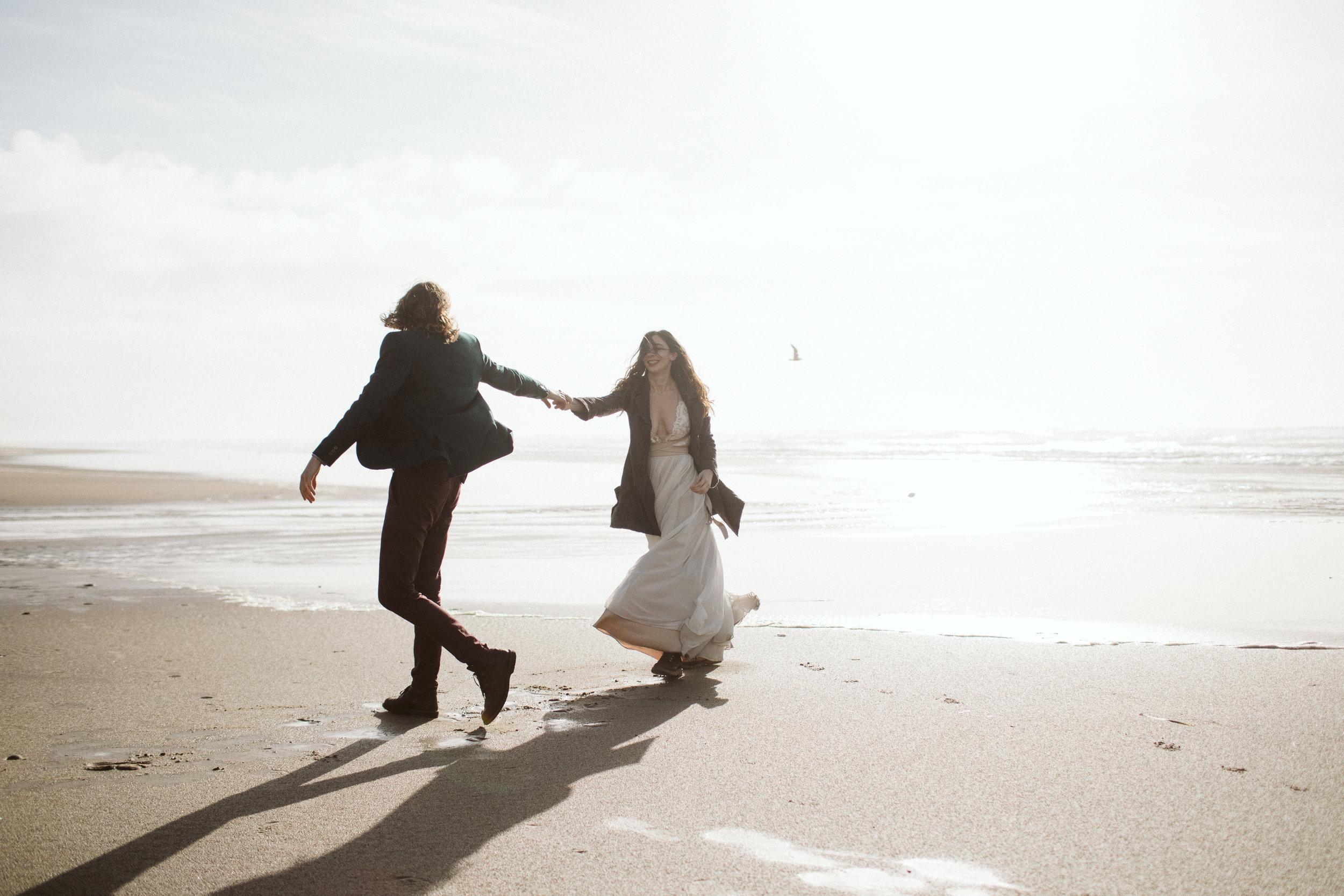 oregon-hug-point-elopement-24.jpg