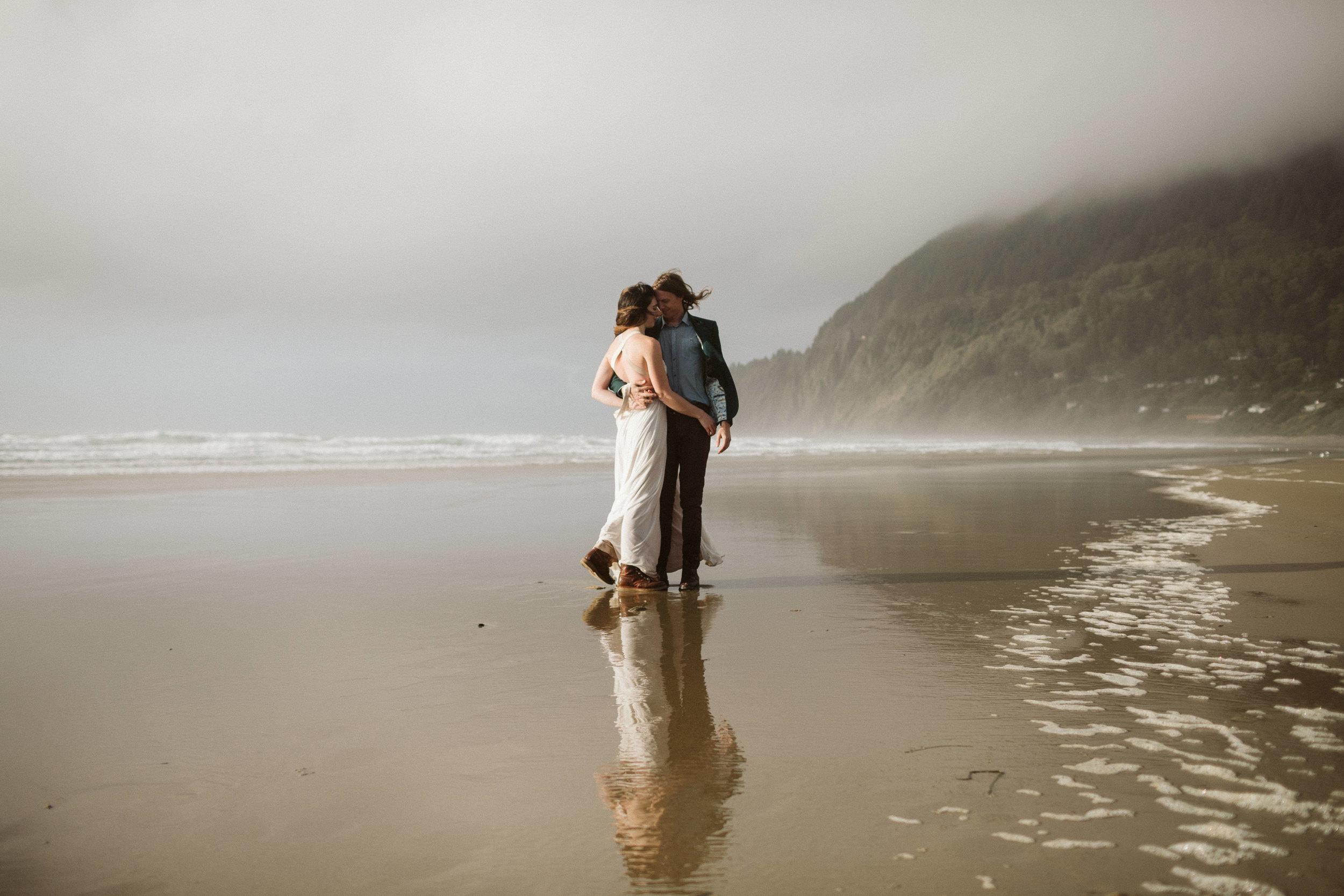 oregon-hug-point-elopement-53.jpg