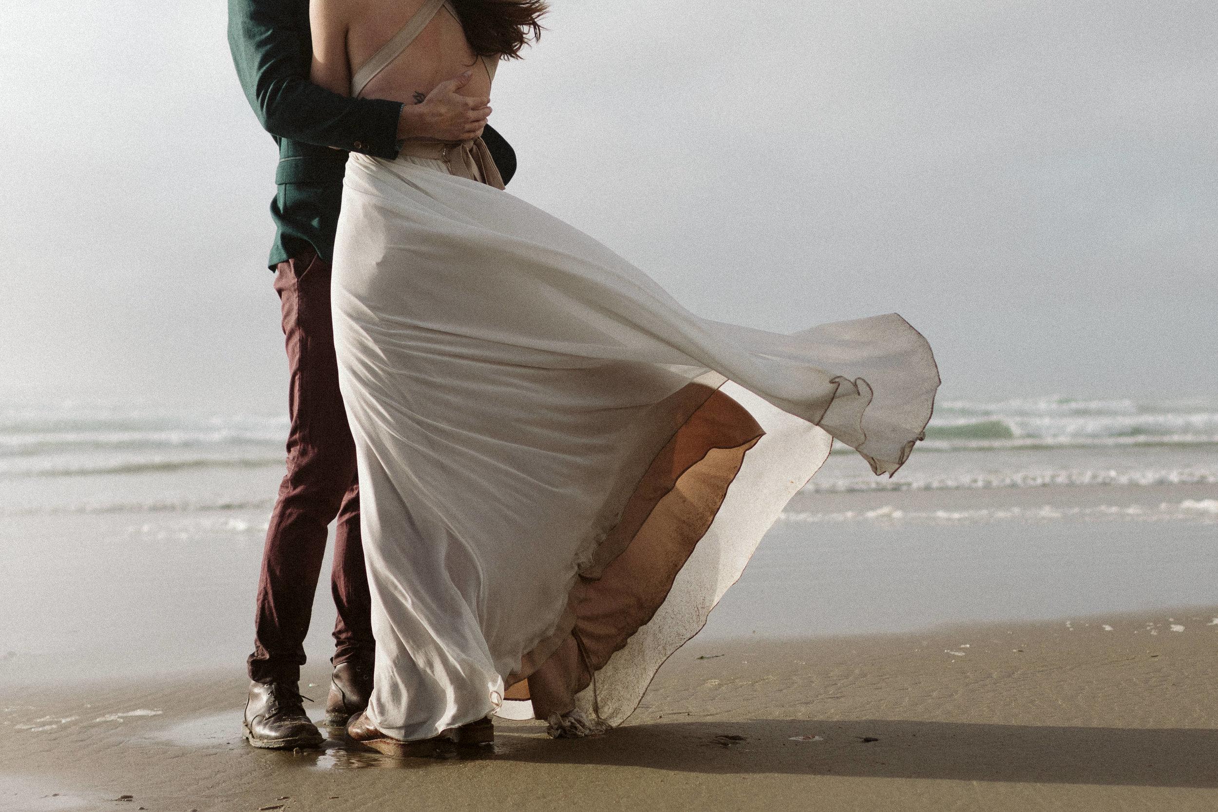 oregon-hug-point-elopement-70.jpg