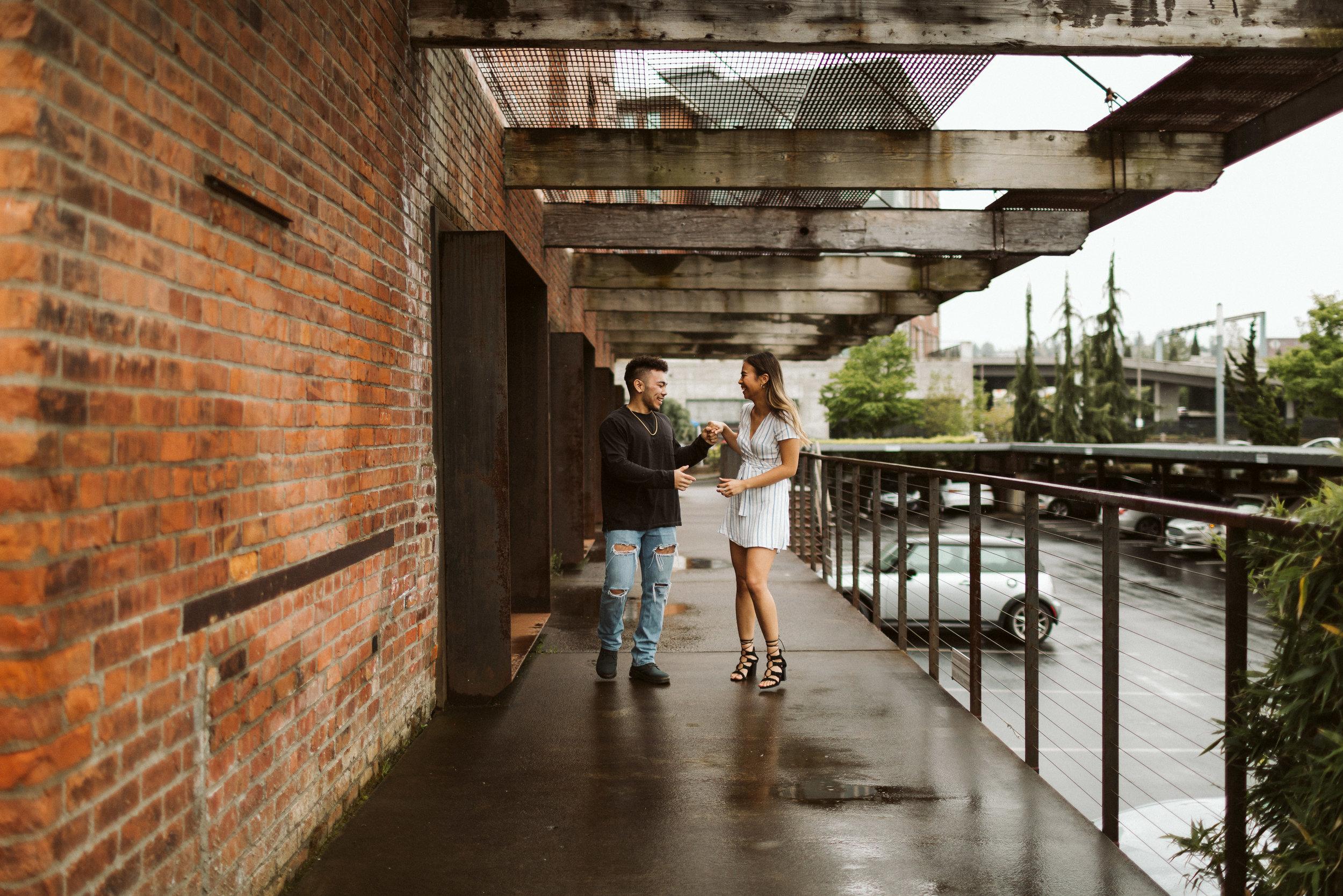 Glass museum Tacoma Engagement1.jpg