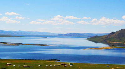 Terkhiin Tsagaan Lake