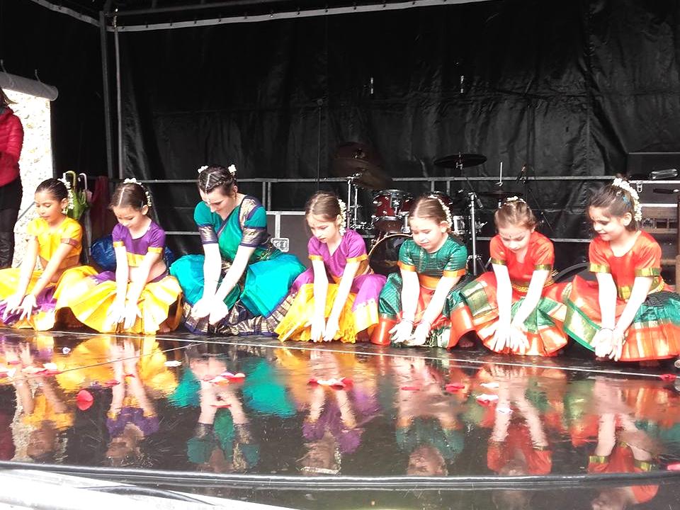 cours-danse-indienne-enfants-94.jpg