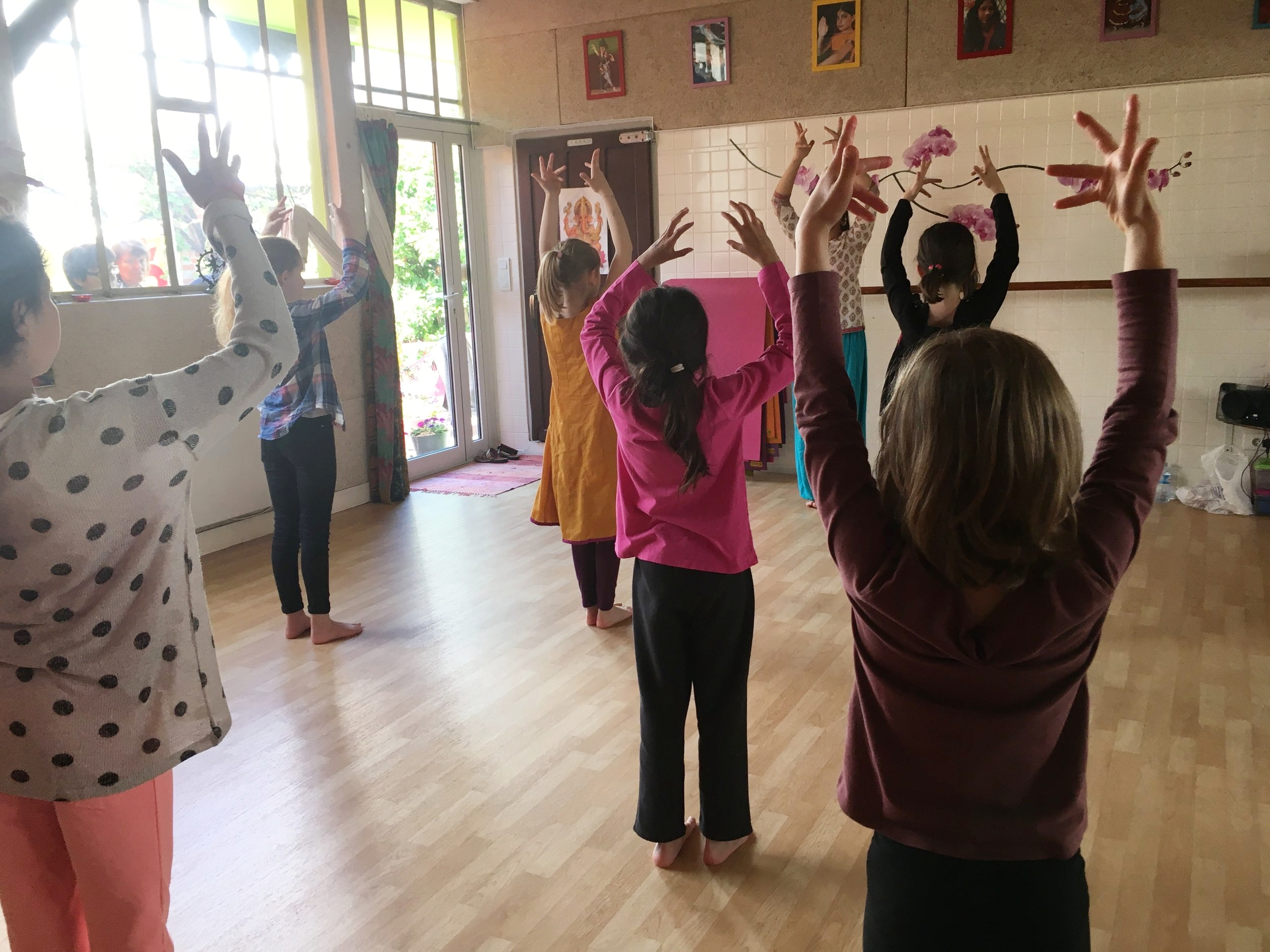 cours-danse-bollywood-enfants-3