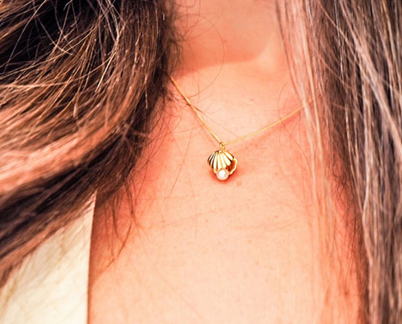 Lee Renee Double-sided Shell & Pealr Necklace - a favourite for summer
