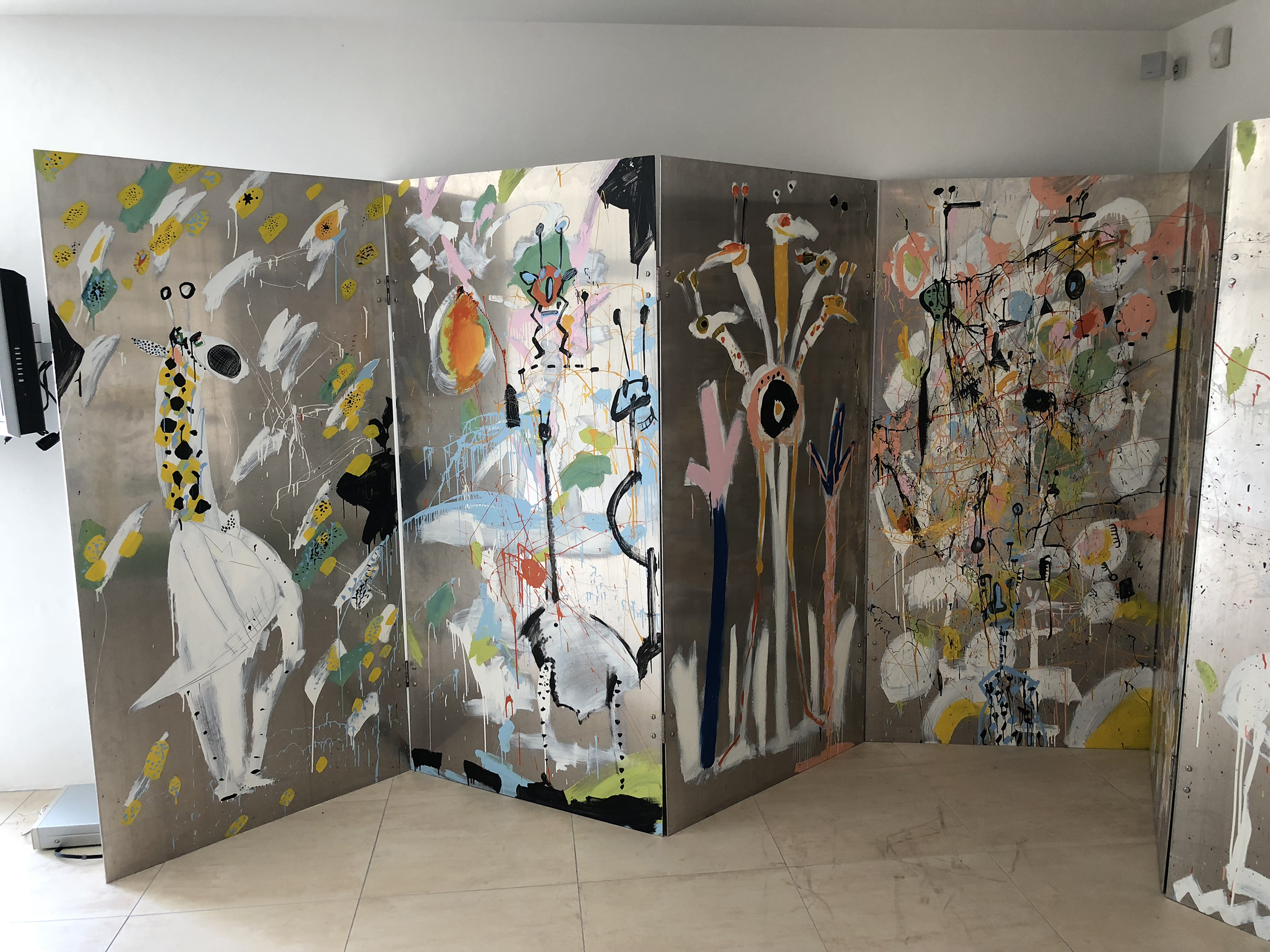 Kopie von Gemeinschaftswerk Christoph Gloor & René Fehr, 1998, Paravent aus 8 Aluminiumplatten verschraubt, 200 x 800 cm, Acrylfarben