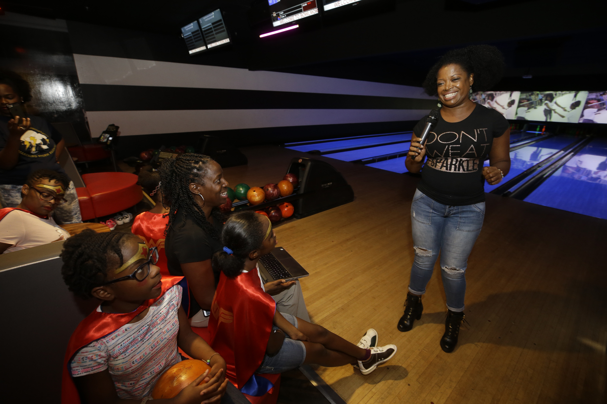 SocietyBowlingParty_mkp_012.JPG