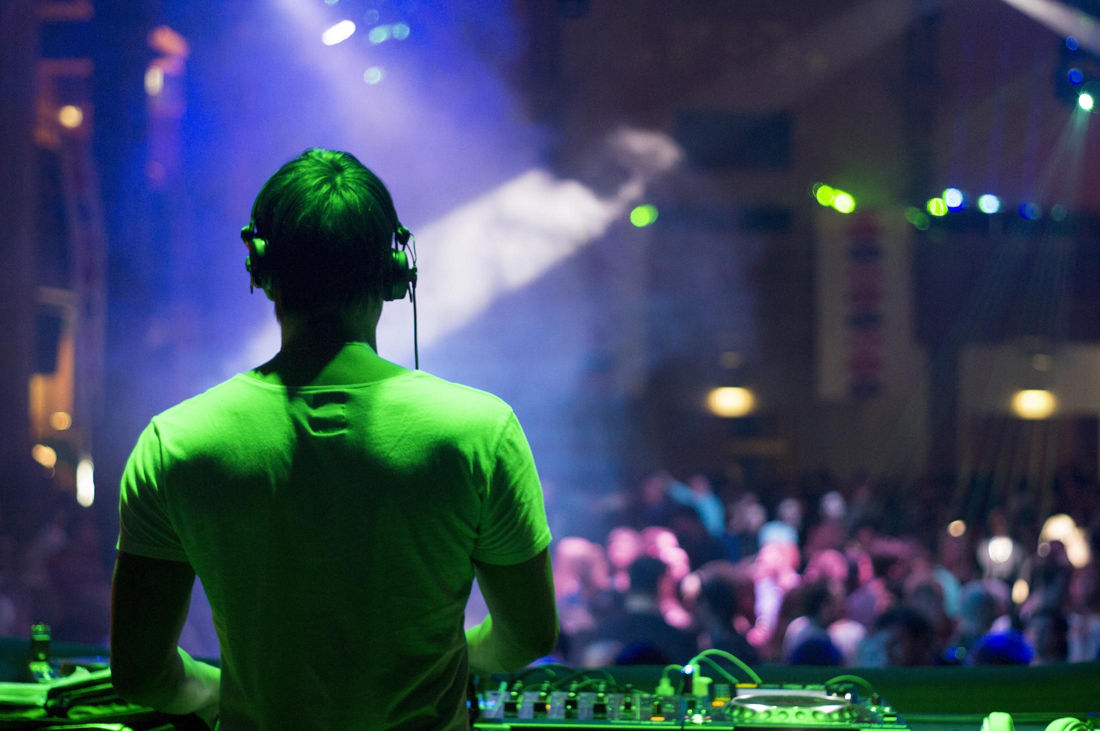 Play For You animation DJ