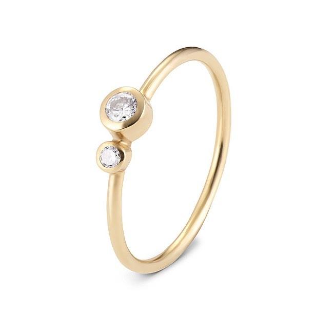Corona Australis CrA1 diamond 0,11 ct, VS, G; diamond 0,04 ct, VS, G #simple #simplecity #modern #minimal #bw #white #fashion #pearl #gold #golden #silver #ring #diamond
