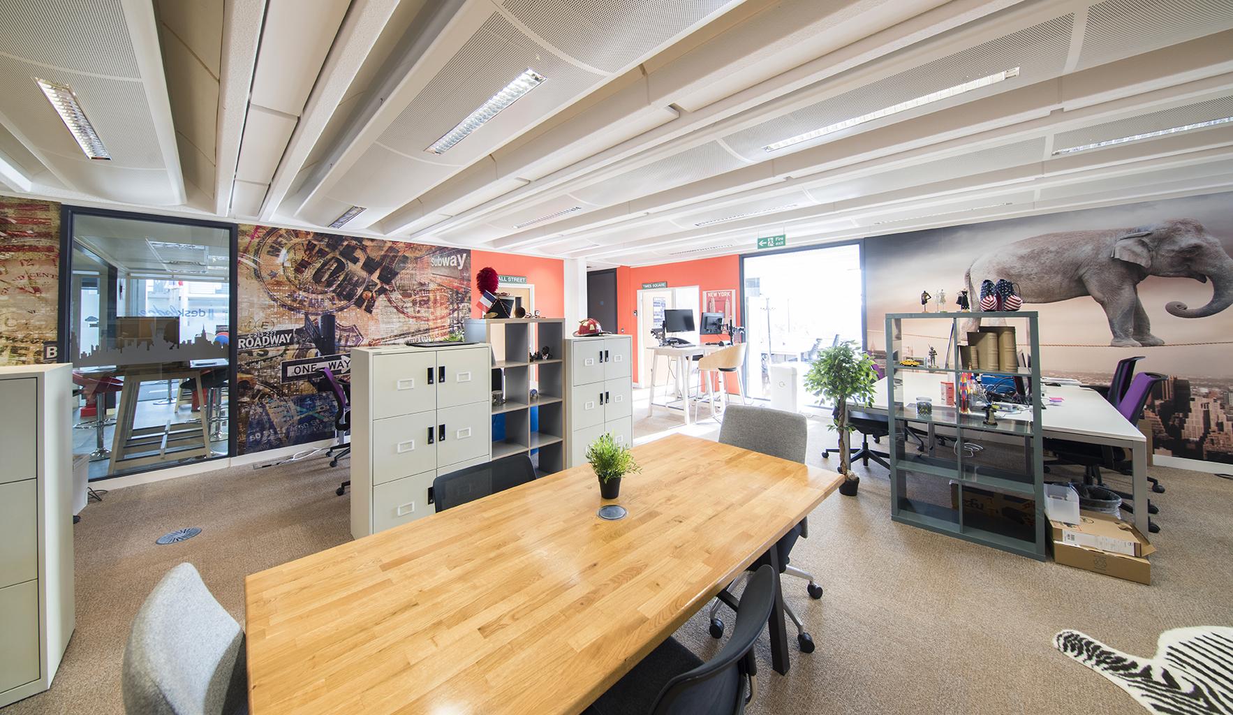 Desk Lodge 115.jpg