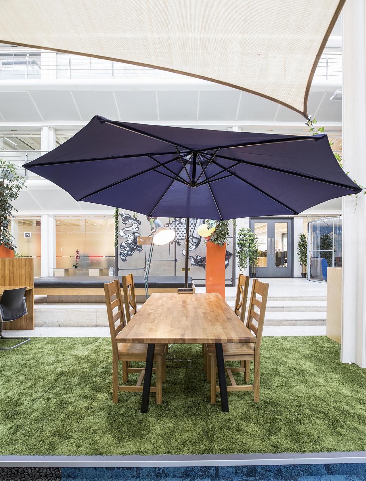 Desk Lodge 070.jpg