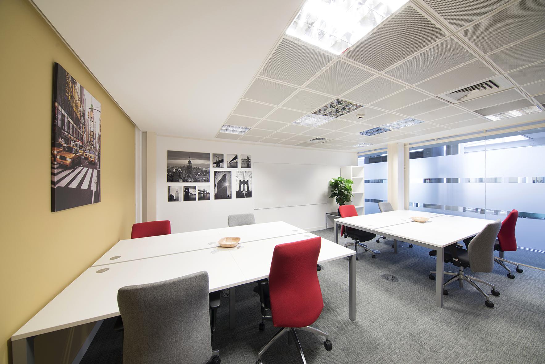 Desk Lodge 110.jpg